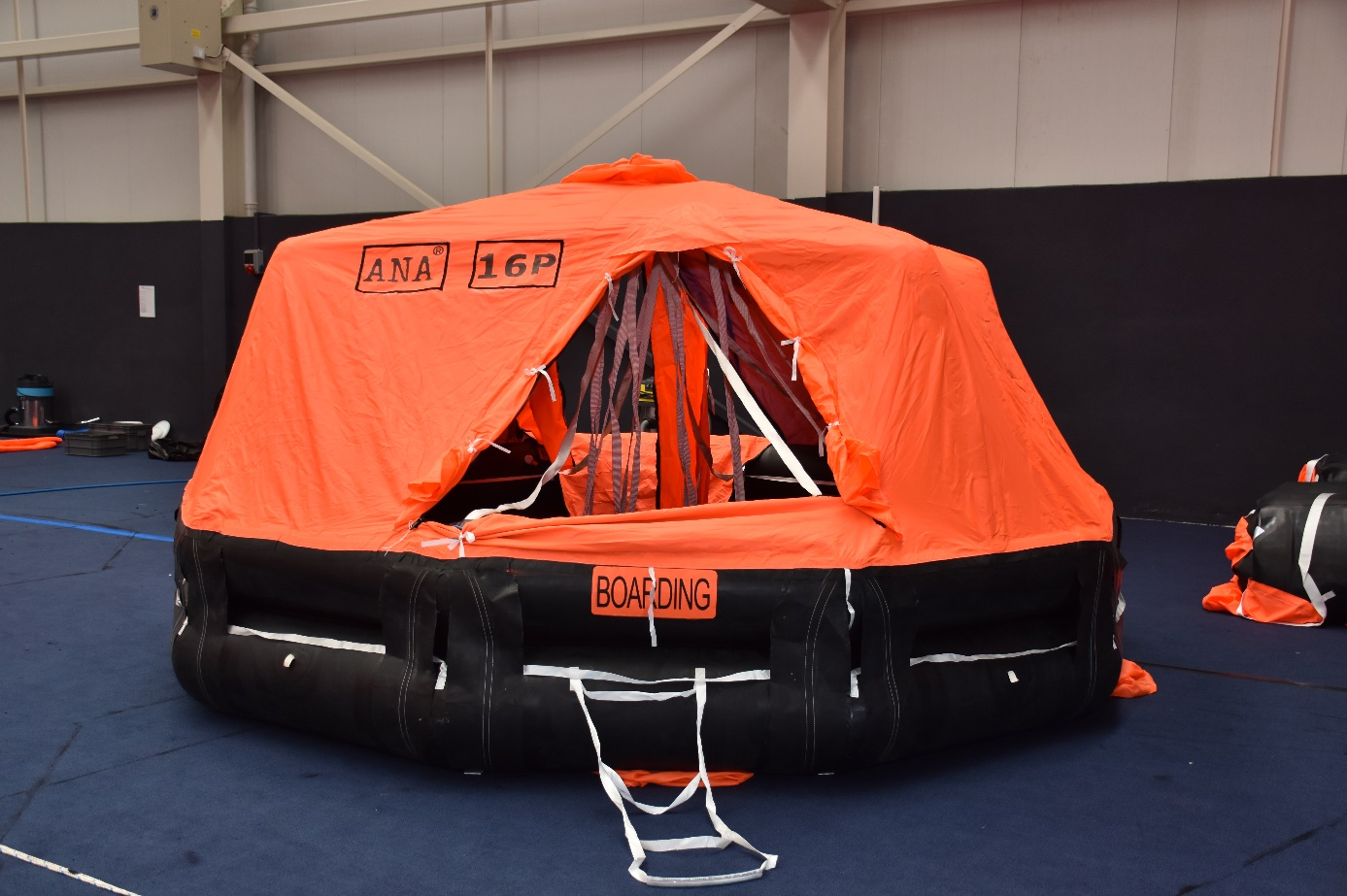 Akana_Marine_Technology_ANA_D_Liferaft